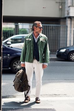 #army_jacket #white_pants #ALESSANDRO_SQUARZI