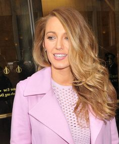Blake Lively Ditches Her Blonde Hair for New Bronde Do | Cambio
