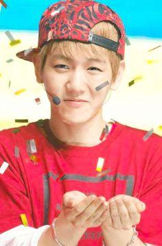 HAHA his expression~ #Baekhyun #EXO