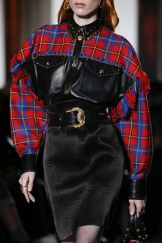 Versace Fall 2018 Ready-to-Wear Fashion Show Details