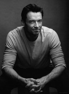 Hugh during the Real Steel film promos Hugh Jackman, Hugh Michael Jackman, Portrait Photography Men, Photography Poses For Men, Male Models Poses, Male Poses, Professional Profile Pictures, Professional Headshots, Headshot Posen