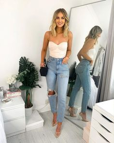 Shop the outfit by clicking the picture 😍Is it even drinks with the girls unless someone puts in the group chat that they're wearing 'jeans an a nice top' 💅 🥂 Date Outfits, Cute Casual Outfits, Summer Outfits, Fashion Outfits, Club Outfits Jeans, Cute Vegas Outfits, Dinner Date Outfit Casual, Clubbing Outfits With Jeans, Summer Vegas Outfit