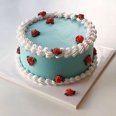 Pretty Birthday Cakes, Pretty Cakes, Cute Cakes, Beautiful Cakes, Yummy Cakes, Amazing Cakes, Elegant Birthday Cakes, Cute Desserts, Delicious Desserts
