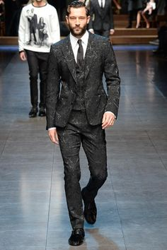 Dolce & Gabbana - Fall 2015 Menswear - Look 1 of 84. Now this is an awesome suit. Would be great to see on the red carpet. #jaquard