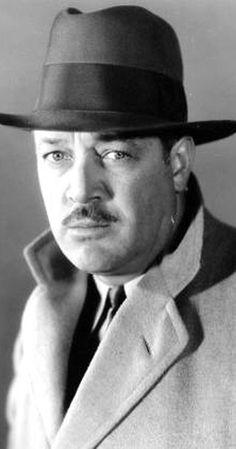 STANLEY BLYSTONE est un acteur américain né le 1er août 1894 à Eau Claire, Wisconsin et mort le 16 juillet 1956 à Hollywood, Californie. Il est apparu dans plus de 500 films entre 1924 et 1956. Filmographie complète sur Wikipedia.