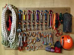 Kletterausrüstung Richtig Lagern : Gear closet of @map.in.hand #climbing #rockclimbing #climbinggear