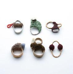 Iris-Bodemer  Schmuck & Jewelry Rings, 2004 Silver/bronze, various stones, wool/raffia