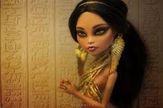 Cleopatra by erregiro