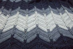 Jacobs Ladder Ripple Afghan | This is a great crochet afghan pattern for Father's Day but it works for just about anyone.