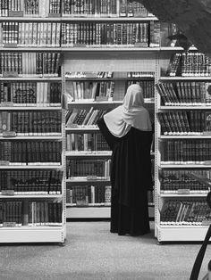 Hijab Niqab, Muslim Hijab, Mode Hijab, Muslim Girls, Muslim Women, Muslim Couples, Niqab Fashion, Street Hijab Fashion, Hijabi Girl
