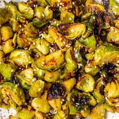 Vegan and Healthy Miso Garlic Roasted Brussel Sprouts - Vegan/Vegetarian recipes - Roasted Garlic Brussel Sprouts, Brussels Sprouts, Roasted Sprouts, Roasted Garlic, Vegetarian Recipes, Healthy Recipes, Vegan Brussel Sprout Recipes, Ketogenic Recipes, Healthy Dinners