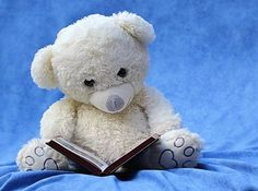 Benefits of Reading Aloud To Your Children - Do YOU still read aloud to your children when they can read themselves? Here are some Top Tips for successfully reading aloud to your children. Book Trailers, Teddy Day, Books To Read, Good Books, Reading Books, Reading Tips, Reading Skills, Teaching Reading, Educational Activities