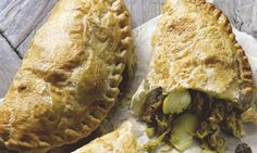 Hugh Fearnley-Whittingstall'[s curried smoked haddock pasties and steak and kidney pie. ------The garlic, ginger and smoked fish combo caught my attention. Steak Recipes, Pie Recipes, Seafood Recipes, Cooking Recipes, Recipies, Vegan Recipes, Rough Puff Pastry, Hugh Fearnley Whittingstall, Savoury Baking