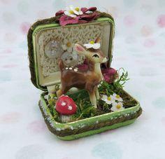 Vintage Jewelry case DIORAMA Vintage Deer in the woods