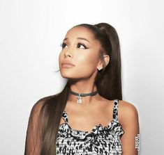 This pin is about Ariana Grande Hailey Baldwin, Justin Bieber, Bae, Ariana Grande Wallpaper, Black Pink, Ariana Grande Pictures, Big Sean, Dangerous Woman, Shows