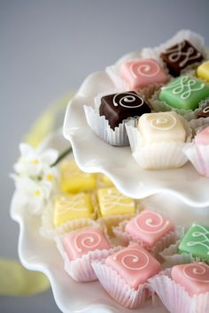 Our delicious signature petit fours are made of the finest ingredients, from the layers of moist cake to the hand-piped designs on top. A wonderful wedding favor, bridal shower or baby shower treat everyone will love. Mini Wedding Cakes, Mini Cakes, Wedding Favors, Cupcake Cakes, Party Cupcakes, Petit Cake, Little Cakes, Small Cake, Eclairs
