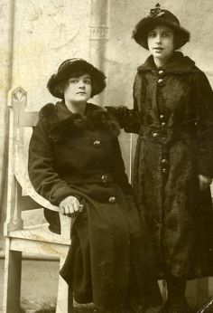 Florence and Daisy Griggs, East London. 1910s.