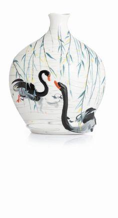 Franz Porcelain Black Swans Vase (Limited Edition 588)