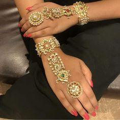 bridal jewelry for the radiant bride Indian Jewelry Sets, Indian Wedding Jewelry, Indian Weddings, Bridal Bangles, Bridal Jewelry, Fancy Jewellery, Handmade Jewellery, Designer Jewellery, Diamond Jewellery