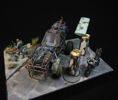 """""""No gas today - Mad Max Diorama"""" 1/24 scale. By Thomas """"1967er"""" Froese. Build for the 2nd Mad Max Car Contest on Massive-Voodoo. #model_cars #scale_model #diorama #vignette #motorcycle #Post_Apocalyptic"""