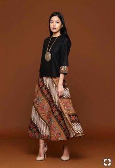 37 Ideas dress simple batik for 2019 Kulot Batik, Mode Batik, Batik Kebaya, Kebaya Dress, Batik Muslim, Dress Batik Kombinasi, Model Dress Batik, Batik Blazer, Modern Filipiniana Dress