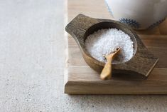 Salt and wooden bowl Wooden Bowls, Diy And Crafts, Salt, Cleaning, Simple, Info, Crafts, Lift Off, Wood Bowls