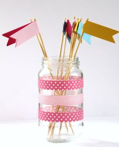 cute gift tags, banners, washi tape, twine, etc. Tapas, Fun Crafts, Arts And Crafts, Paper Crafts, Washi Tape Crafts, Washi Tapes, Mason Jar Crafts, Mason Jars, Glass Jars