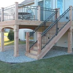 Cedar Deck - Westbury Riviera II sleeved between dedar posts - Ugly Deck terrasse, Deck Railing Design, Deck Railings, Railing Ideas, Metal Deck Spindles, Aluminum Deck Railing, Cable Railing, Patio Design, Garden Design, Cedar Deck