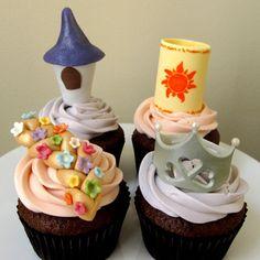 Tangled cupcakes Tangled Birthday Party, Disney Birthday, Mickey Mouse Birthday, Tangled Wedding, Minnie Mouse, 4th Birthday, Birthday Parties, Snowman Cupcakes, Giant Cupcakes