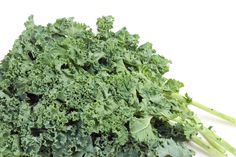 Raw Food Recipe: Raw Green Garlic Kale Chips -- Sounds delicious I have tried other flavors that make an awesome snack must try this one! Foods With Iron, Iron Rich Foods, Kale Chip Recipes, Raw Food Recipes, Weekly Recipes, Toddler Meals, Kids Meals, Toddler Recipes, Toddler Food