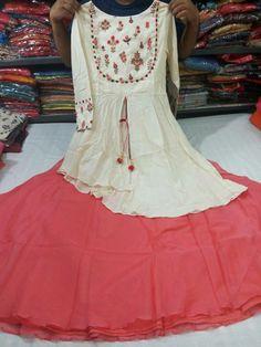 Best 12 Floral printed lengha and jacket top – Page 335940453448748752 – SkillOfKing.Com – SkillOfKing. Party Wear Indian Dresses, Indian Gowns Dresses, Pakistani Dresses, Kurta Designs, Blouse Designs, Dress Designs, Salwar Dress, Anarkali, Lehenga
