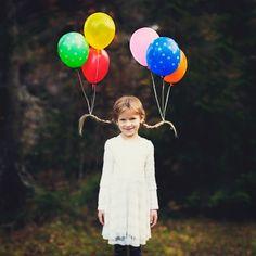 halloween frisur kind zwei zöpfe balloons helium