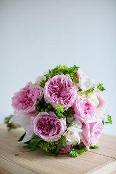Soft bridal bouquet #gardenroses #flouer #pinksandgreens