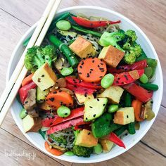 Quick and easy curry Tofu Stir fry tonight to get in as many veggies as I could. Tofu, edamame, capsicum, mushrooms, green beans, snow peas, carrots, broccoli, zucchini, onion and garlic. Sauce was just curry powder, coconut Aminos, Natvia and some coconut oil. All mixed through some Konjac noodles  Eat the rainbow! #instagood #lunch #L4L #instafollow #foodporn