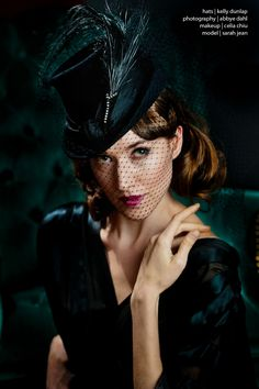 Pretty Top Hat with Feathers & Veil ~