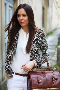 The Bridge brown bag | White Pants | Leopard Jacket | Sarenza Heels | Spring look | Spring outfit  www.ireneccloset.com