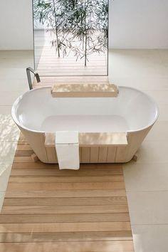 I love the simplicity of this White + Wood bathroom Wood Bathtub, Wood Bathroom, Bathroom Interior, Wood Tub, Freestanding Bathtub, Bathroom Trends, Design Bathroom, Washroom, Estilo Interior