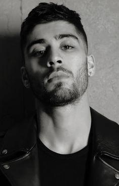 His lips omg