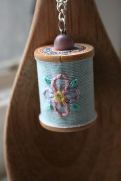Items similar to Stitched Vintage Spool Necklace - Pretty Posy - SALE on Etsy Wooden Spool Crafts, Spindle Crafts, Wood Spool, Bead Crafts, Jewelry Crafts, Arts And Crafts, Diy Crafts, Craft Projects, Sewing Projects
