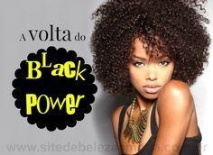 A moda trouxe, para as mulheres de cabelos crespos, o estilo black power de volta. Veja como deve ser a hidratação, corte, controle de volume e mais.