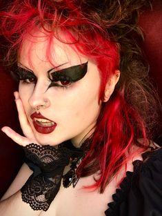 Goth Eye Makeup, Gothic Makeup, Hair Makeup, Alternative Makeup, Alternative Fashion, Makeup Inspo, Makeup Inspiration, Cute Makeup, Makeup Looks