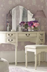 Laura Ashley Huge Bedroom Savings I LOVE THIS WALLPAPER