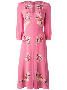When in doubt, wear a dress. Shop designer dresses at Farfetch for of designs from your favourite brands. Rose Pink Dress, Pink Silk Dress, Day Dresses, Dress Outfits, Fashion Outfits, Top Model Fashion, Maude, Get Dressed, Beautiful Outfits
