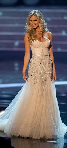 Miss Australia Renae Ayris 2012 Evening Gown for Miss Universe 2012 Pageant.