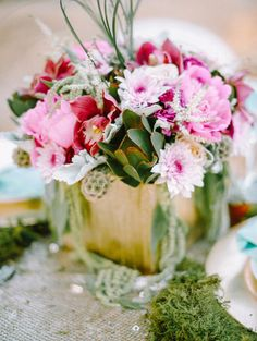 Green and Pink Centerpiece | photography by http://www.marielhannahphoto.com