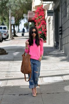 fuchsia sweater, boyfriend jeans and nude pumps