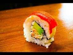 Paprika sushi roll - how to roll sushi - http://www.thehowto.info/paprika-sushi-roll-how-to-roll-sushi/