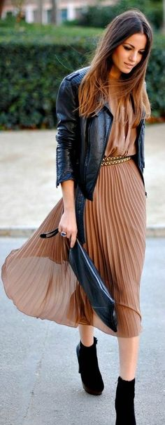 Jina says: This would also look cute with strapy flats. Champagne colored pleated dress with a black leather jacket + simple accessories. Mode Outfits, Skirt Outfits, Fashion Outfits, Womens Fashion, Fall Outfits, Jackets Fashion, Outfit Winter, Girly Outfits, Fashion Boots