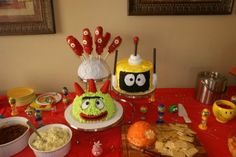 brobee cake idea and even a cheese ball that looks like dj lance's hat!?  i can make this!