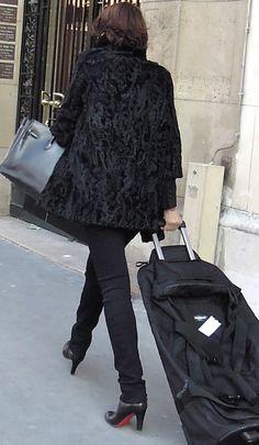 Paris street style Feb 2012. Hermes Birkin!